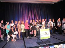 BlogPaws 2013 Nose-to-Nose Pet Blogging & Social Media Awards Finalists gather on the stage