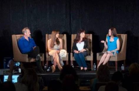 BlogPaws Keynote Panel - Harrison Forbes, Laura Nativo, Sandy Robins, Chloe DiVita